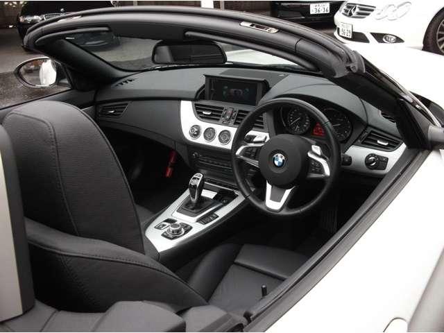 BMW Z4 sドライブ 35i スポーツパッケージ  (アルピンホワイト)